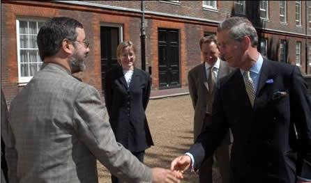 ROGÉRIO MIRANDA EM LONDRES, cumprimentado pelo príncipe Charles: ¨Ninguém quer trabalhar esse problema social no Brasil¨
