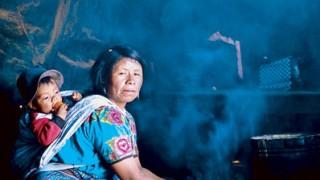 Fumaça. Fogões primitivos apresentam grande risco para a saúde em países em desenvolvimento